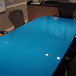 Мебель из цветного стекла
