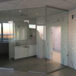 Конструкции из закалённого стекла от производителя по индивидуальным размерам