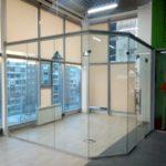 Офисная перегородка из цельного стекла 10 мм