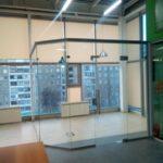 Перегородка цельно стеклянная из закаленного стекла толщиной 10мм